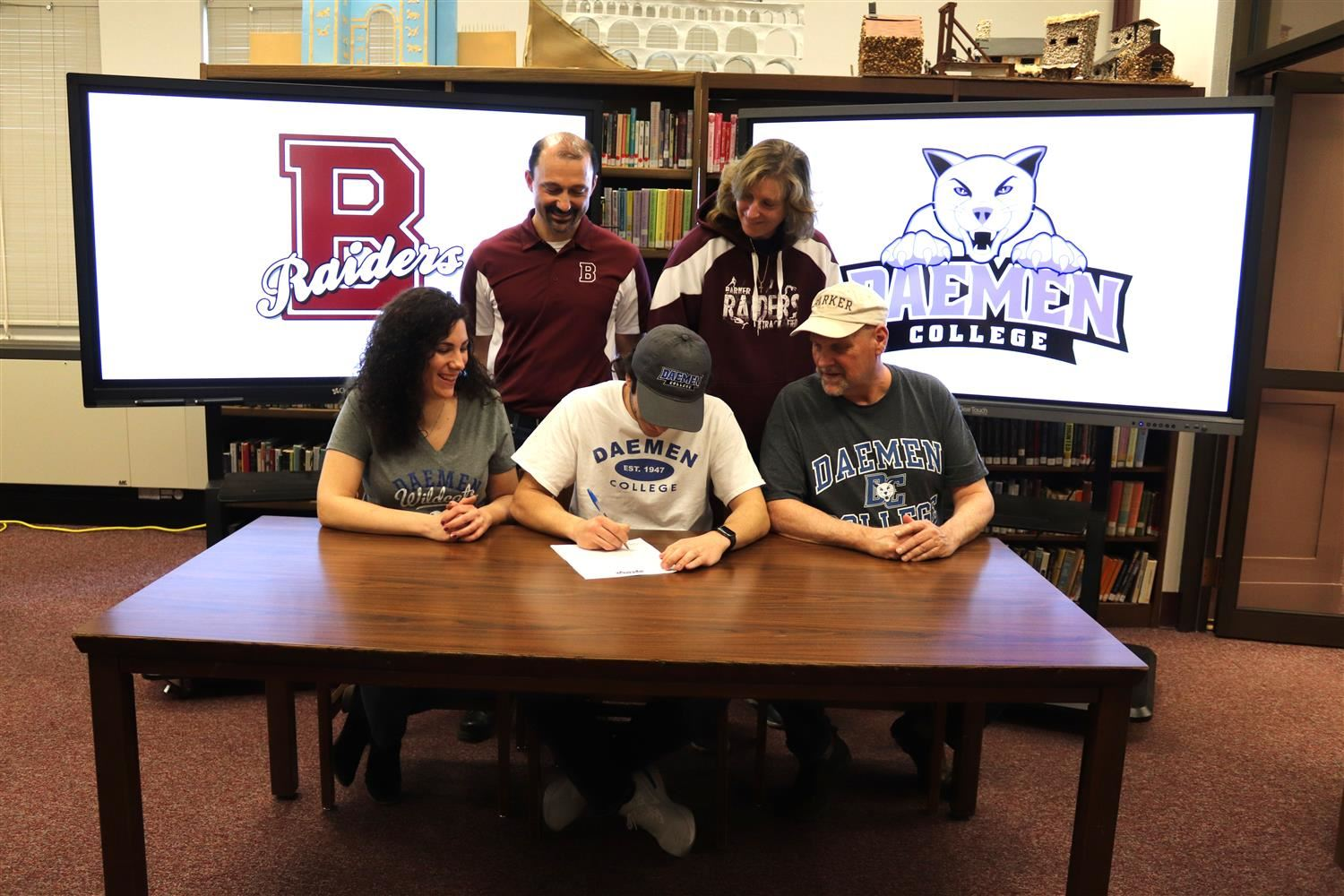 Clementi Signs With Daemen